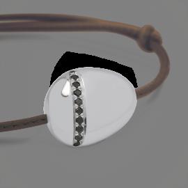 Bracelet galet large diamants noirs en argent 925 millièmes sur cuir.