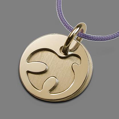 Medalla de bautismo PALOMA en oro amarillo de 750 milésimas y cordón de lavanda de la colección de joyería infantil MIKADO.