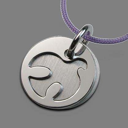 Medalla de bautismo PALOMA en oro blanco 750 milésimas rodiadas y cordón de lavanda de la colección de joyería infantil MIKADO.