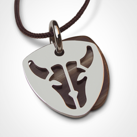BUFFALO pendant in 18k white gold and natural horn by the jewellery collection for children MIKADO.