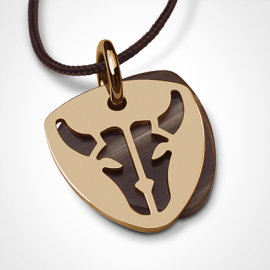 BUFFALO pendant in 18k yellow gold and natural horn by the jewellery collection for children MIKADO.