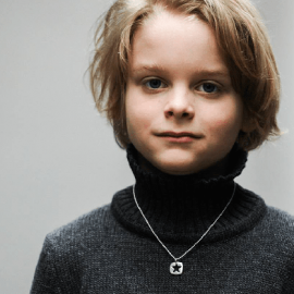 CHE pendant from the MIKADO children's jewellery collection.