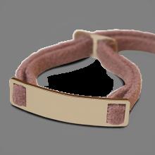 Bracelet SKIN en or jaune 750 millièmes et daim rose de la collection de bijoux pour enfants MIKADO.