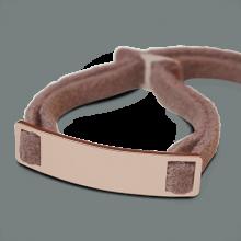 Bracelet SKIN en or rose 750 millièmes et daim rose de la collection de bijoux pour enfants MIKADO.
