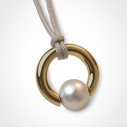 MOANA pendant in 750 yellow gold and white pearl by the jewellery collection for children MIKADO.
