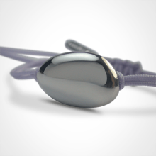 LA DRAGÉE christening bracelet in 750 white gold and lavender chord by the jewellery collection for children MIKADO.