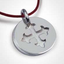 Médaille de baptême ROYAL en argent 925 millièmes et cordon cerise de la collection de bijoux pour enfants MIKADO.
